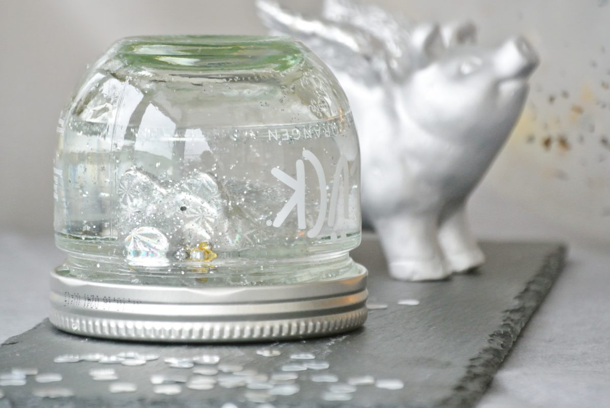 Glück-Marmeladenglas-Schneekugel-Neujahr