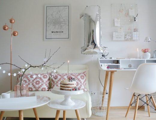 1. Bloggeburtstag-Arbeitszimme-Schreibtisch-Schlafcouch
