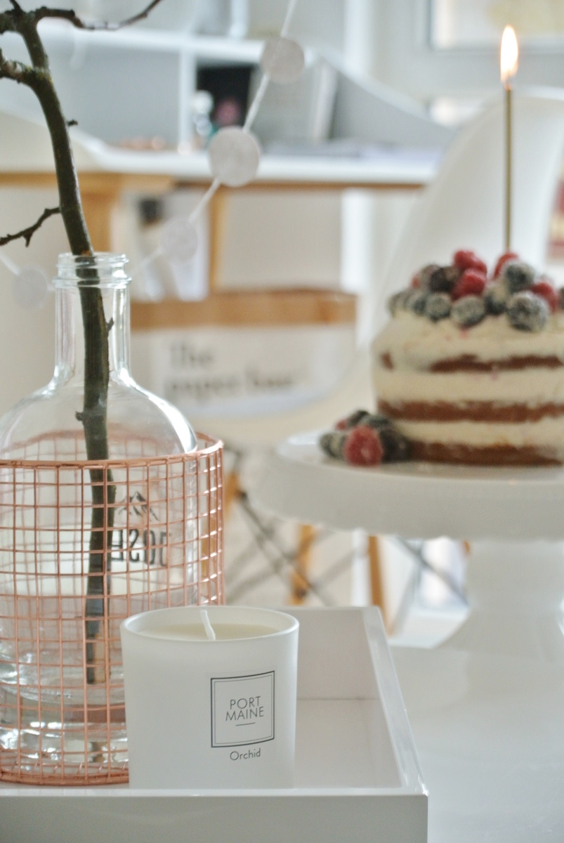 1. Bloggeburtstag-living.elements-Naked-Cake