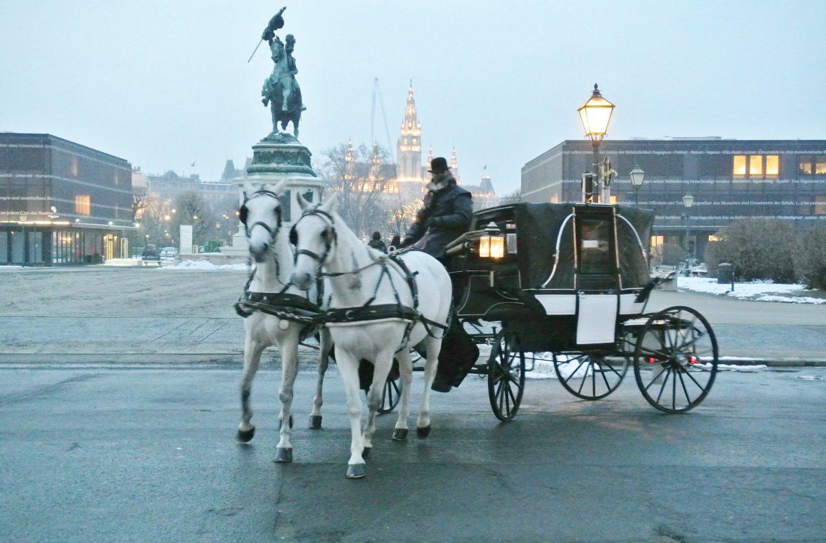 Wien-Heldenplatz-Fiaker