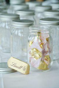 DIY-Adventskalender-Mason-Mini-Jar-Süßigkeit-Seidenpapier