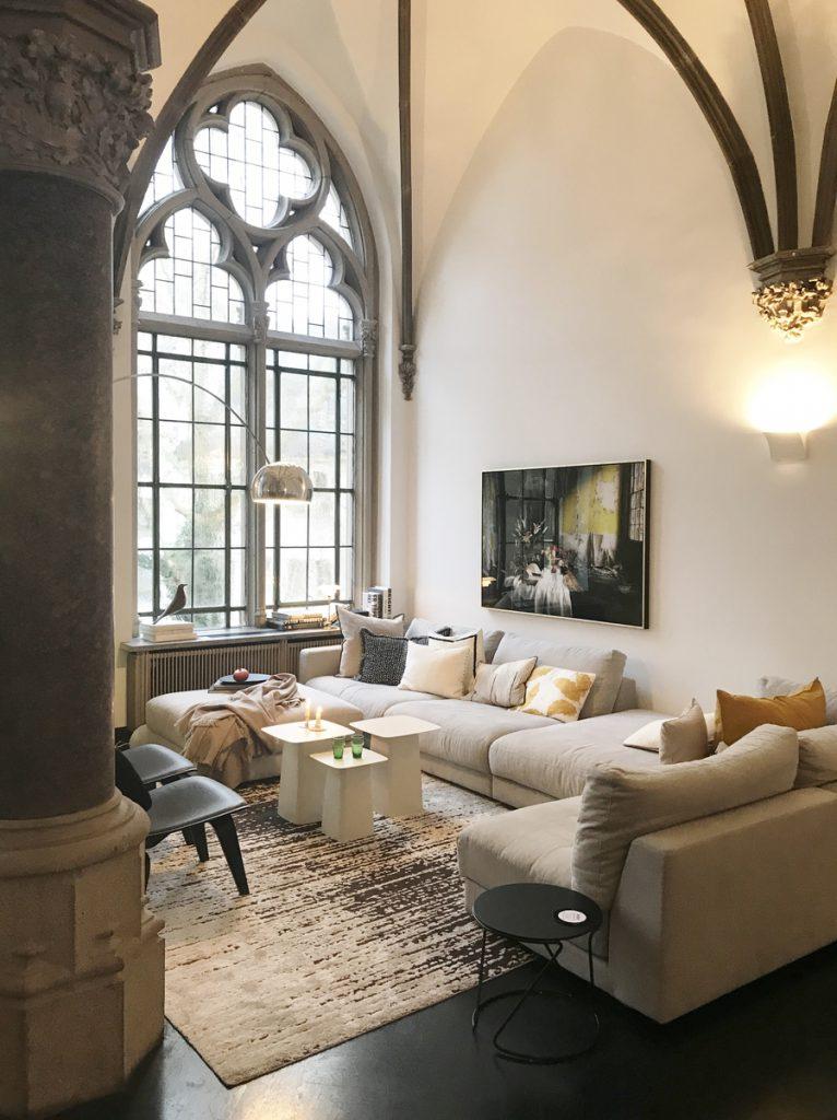SoLebIch-Apartment-imm-cologne-2019-Salon-Sofa-Sitzfeldt