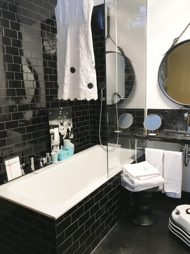 SoLebIch-Apartment-imm-cologne-2019-Vestiaire-Badezimmer