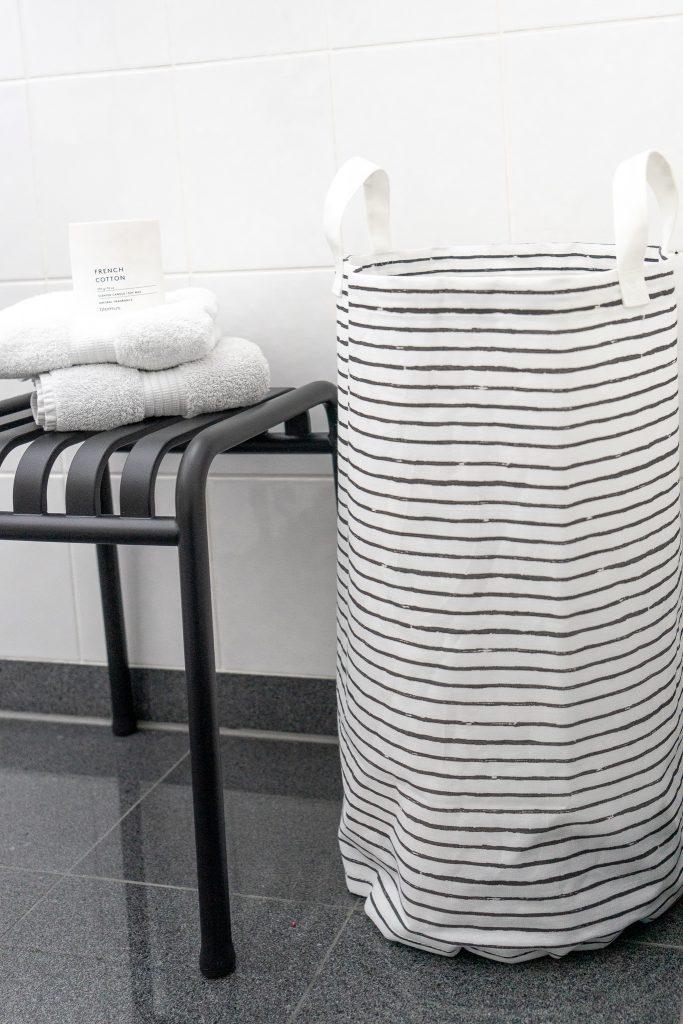 Hocker von Hay Waeschesack von Ikea