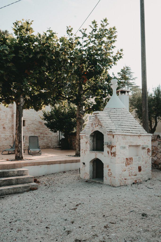 Ferienhaus-Apulien-Locorotondo-Steinofen