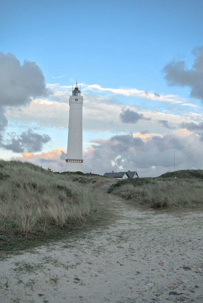 Leuchtturm-Blavandshuk-Fyr-Blavand-Hvidbjerg-Strand-daenische-Nordsee