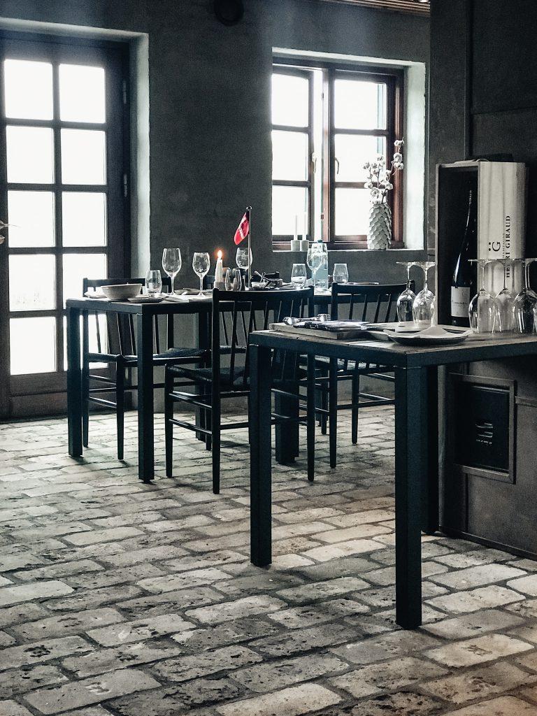 Restaurant-Hoefde4-Hvidbjerg-Strand-daenische-Nordsee-moderne-Strandvilla