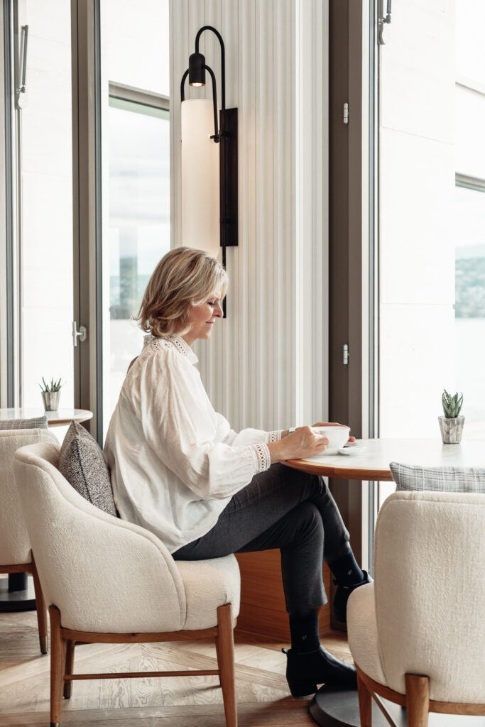 Alex-Lake-Zuerich-Boutique-Luxushotel-Zuerichsee-Residents-Lounge-livingelements