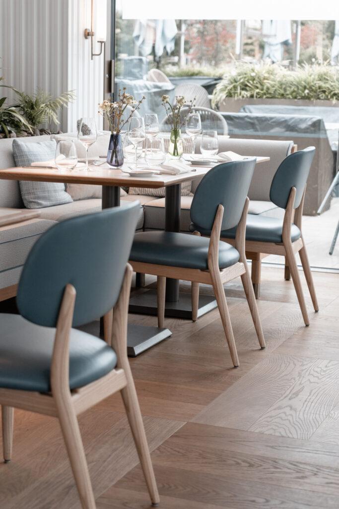 Alex-Lake-Zuerich-Boutique-Luxushotel-Zuerichsee-Restaurant-Alex-Stuehle