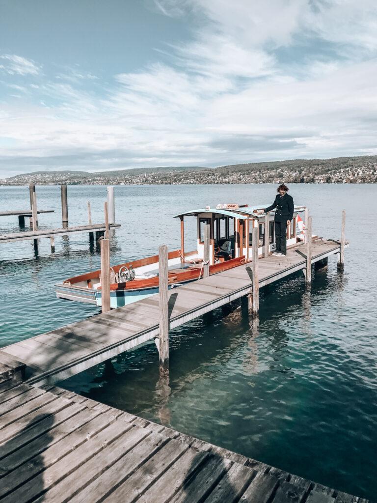 Alex-Lake-Zuerich-Boutique-Luxushotel-Zuerichsee-Steg-Taxiboot-MS-Zuerihorn