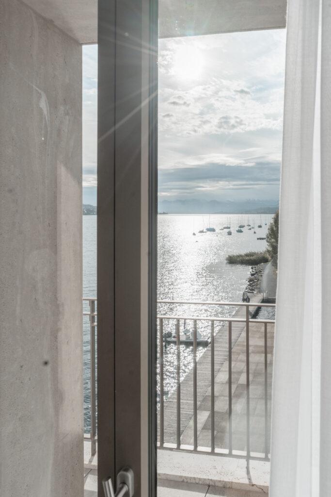 Alex-Lake-Zuerich-Boutique-Luxushotel-Zuerichsee-Studio-Fenster