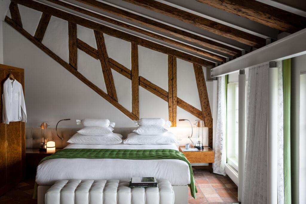 Widder_Hotel_Design_Queen_Zimmer_Doppelbett