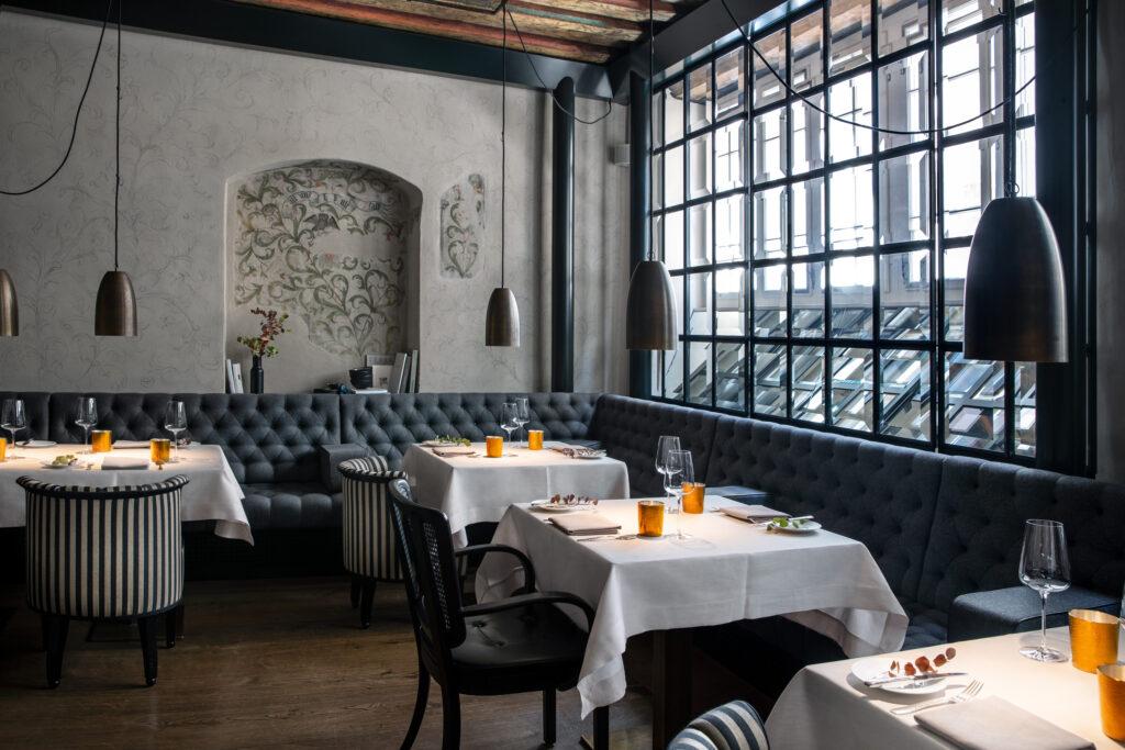 Widder_Hotel_Restaurant_Tisch