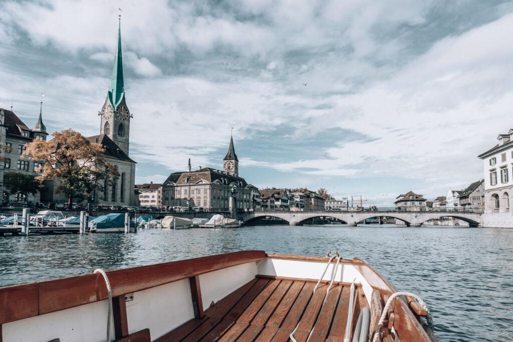 Zuerichsee-Taxiboot-Limmat-Altstadt