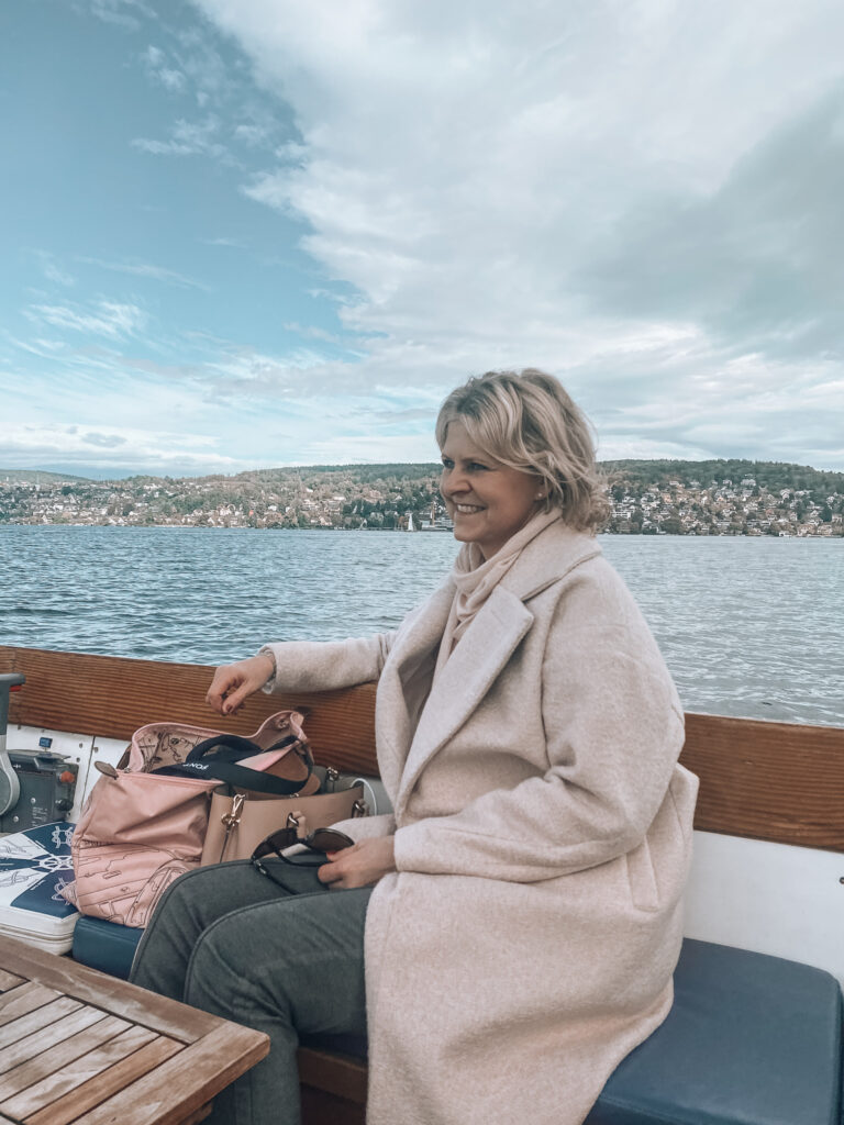 Zuerichsee-Taxiboot-livingelement