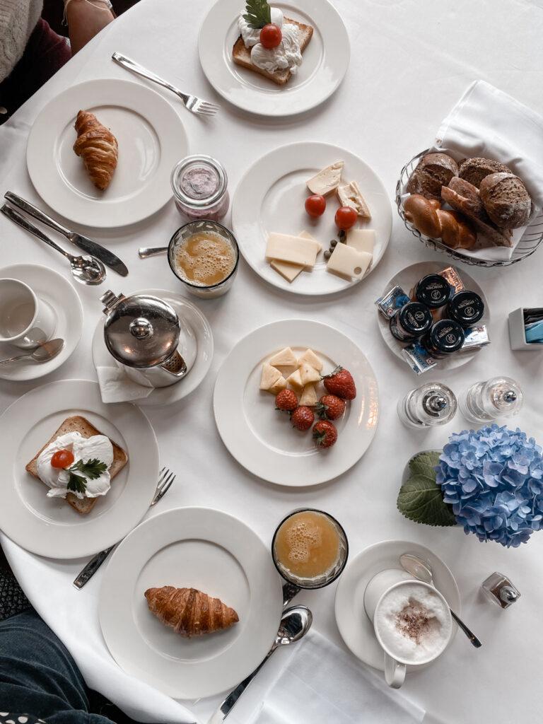 hotel-storchen-zuerich-fuenf-sterne-hotel-restaurant-la-rôtisserie-fruehstueck-travel-blog