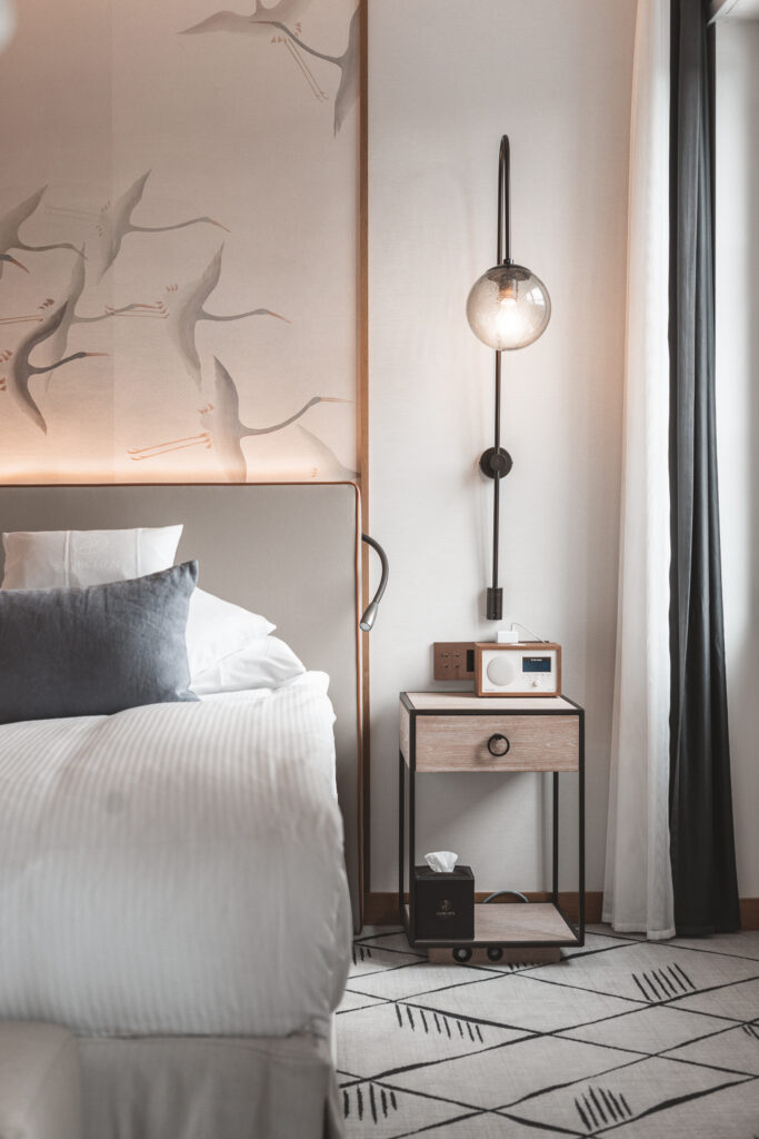 hotel-storchen-zuerich-fuenf-sterne-hotel-riverside-deluxe-room-travel-blog-22