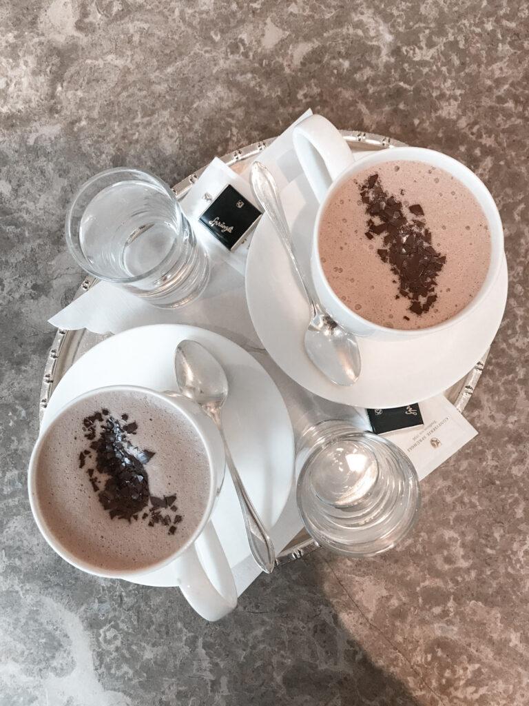 zuerich-altstadt-innenstadt-staedtereise-chocolat-chaud-travel-blog