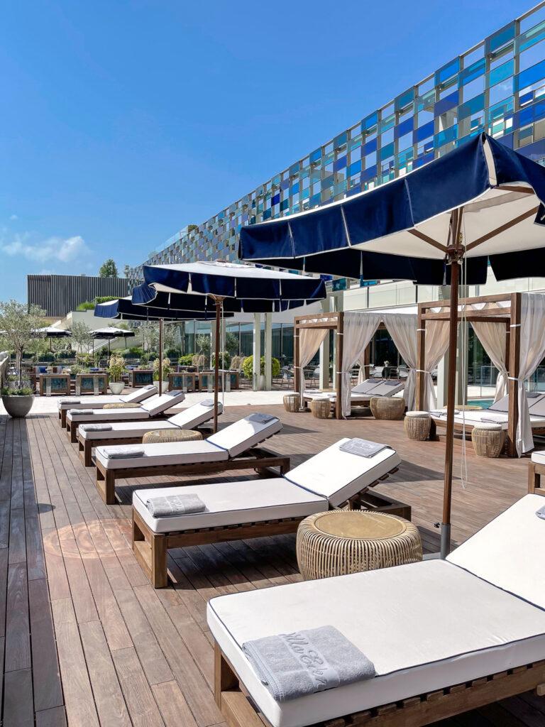 Eden-Reserve-Luxury-Resort-Gardasee-Boutique-Hotel-Matteo-Thun-Poolterrasse-1