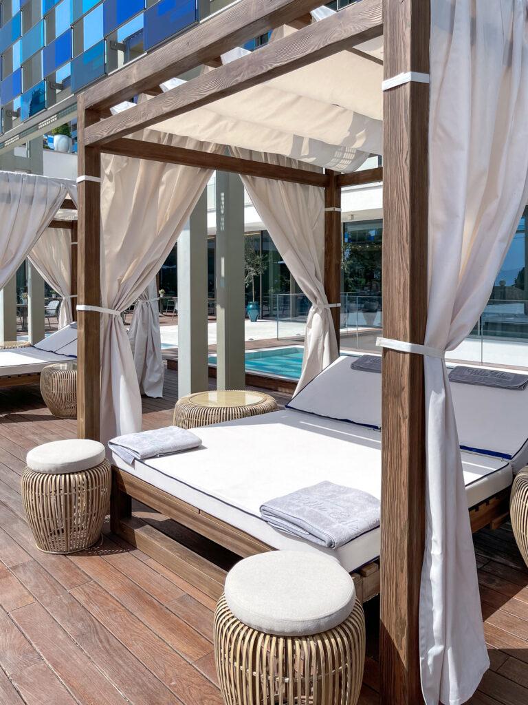 Eden-Reserve-Luxury-Resort-Gardasee-Boutique-Hotel-Matteo-Thun-Poolterrasse-2