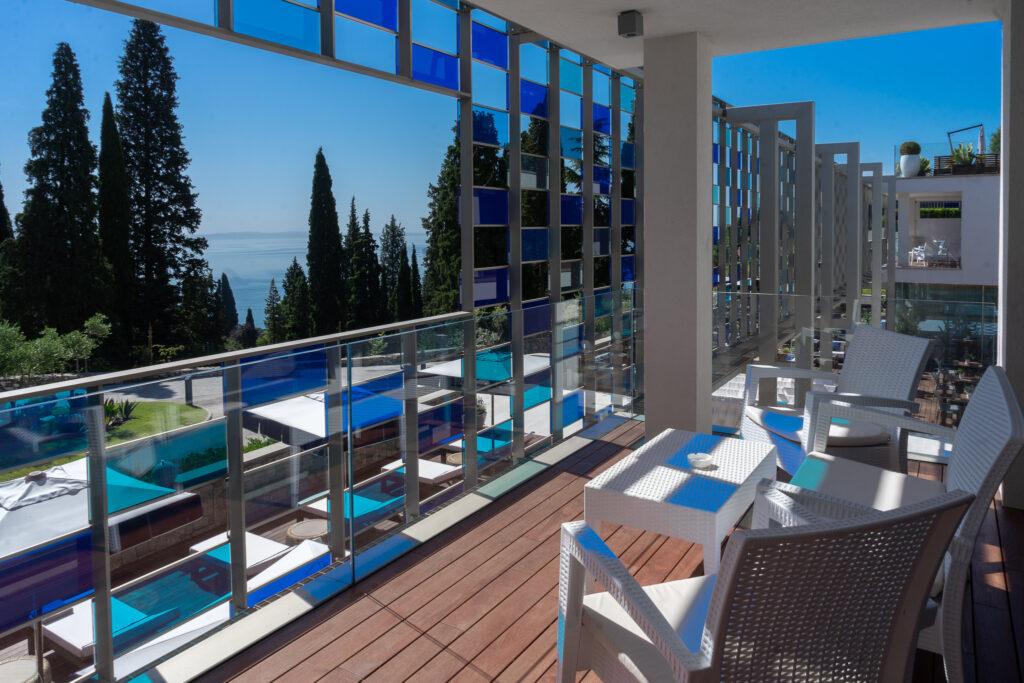 Eden-Reserve-Luxury-Resort-Gardasee-Boutique-Hotel-Matteo-Thun-Suite-Balkon