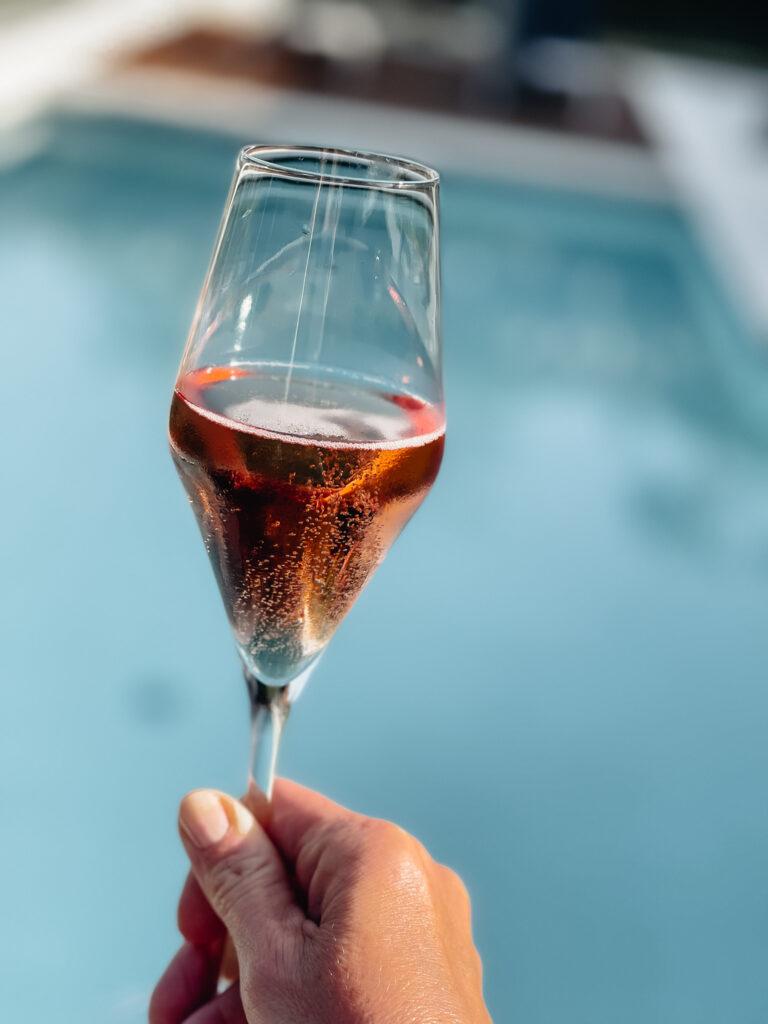 Eden-Reserve-Luxury-Resort-Gardasee-Landmark-II_Penthouse-Villa-Apartment-Pool-Prosecco