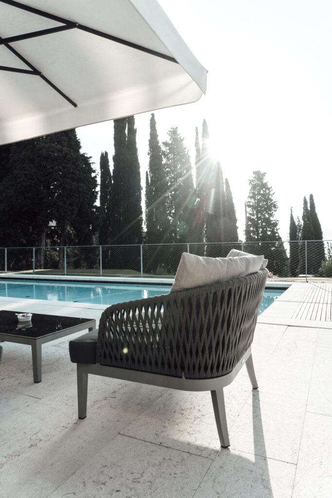 Eden-Reserve-Luxury-Resort-Gardasee-Landmark-II_Penthouse-Villa-Apartment-Poolterrasse-Sessel