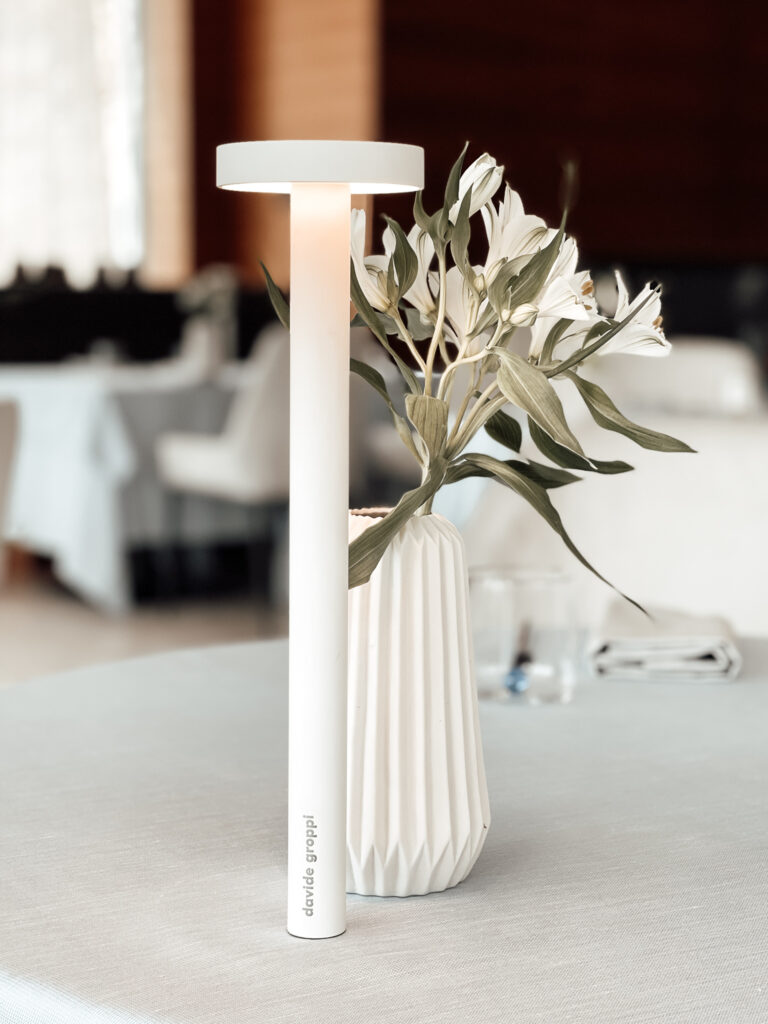 Eden-Reserve-Luxury-Resort-Gardasee-Restaurant-Detail-Tischleuche