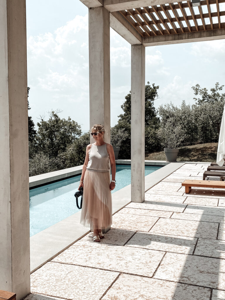 Eden-Reserve-Luxury-Resort-Gardasee-Villa-living.elements